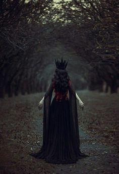 1 Fantasy Magic Fairytale Surreal Myths Legends Stories Dreams Adventures The Dark Queen Foto Fantasy, Fantasy Art, Fantasy Queen, Fantasy Forest, Story Inspiration, Character Inspiration, Character Ideas, Queen Aesthetic, Dark Queen
