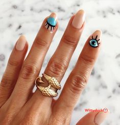 65 Fabulous Easy Nail Art Designs to Up Your Style Game - ChecoPie Pink Tip Nails, Diy Nails Manicure, Pink Nail Colors, Golden Nail Art, Golden Nails, Holiday Nail Designs, Simple Nail Art Designs, Graffiti Nails, Flame Nail Art