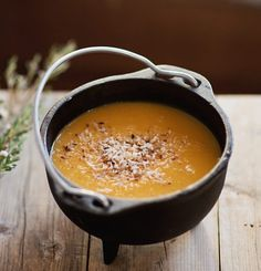 Turnip pear & carrot soup Three times a day Peach Soup Recipe, Soup Recipes, Healthy Recipes, Ginger Peach, Good Food, Yummy Food, Think Food, Carrot Soup, Diy Food