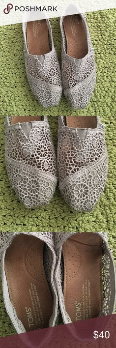 Crochet lace gray TOMS 7W Size 7W in very good condition. Very lightweight and cute! TOMS Shoes Flats & Loafers