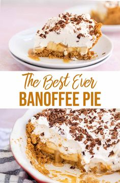 banana pie Crushed up Digestive Biscuits make a beautiful crust for this luscious Banoffee Pie. The filling starts with sweetened condensed milk turned into a dulce de leche type cream then Dessert Party, Pie Dessert, Party Desserts, Holiday Desserts, Just Desserts, Delicious Desserts, Desserts With Bananas, Vegan Banoffee Pie, Breakfast