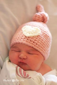 New roundup post featuring various Crochet Baby Hats for Newborns Free Patterns. Crocheted baby items have to be between the top five crocheted items. They are so popular as beginner projects, and the fact that they are great gifts for new mommies, just contributes for their high popularity. Some people even pick up crochet after...