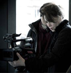 Sabina Guzzanti sul set del suo ultimo film, La trattativa.