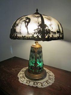 40 best reverse painted lamps images in 2018 Lampe Art Deco, Art Deco Lamps, Antique Lamps, Vintage Lamps, Antique Lighting, Antique Furniture, Art Nouveau, Creative Lamps, Creative Ideas
