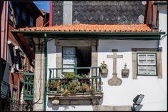 [2014 - Porto / Oporto - Portugal] #fotografia #fotografias #photography #foto #fotos #photo #photos #local #locais #locals #cidade #cidades #ciudad #ciudades #city #cities #europa #europe #fotografia #photography #photo #janela #janelas #ventana #ventanas #window #windows @Visit Portugal @ePortugal @WeBook Porto @OPORTO COOL @Oporto Lobers
