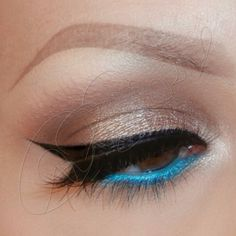 Turquoise liner in the water line
