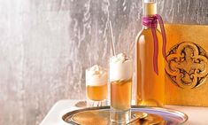 Bratapfel-Likör Rezept: Selbstgemachter Likör aus Bratäpfeln, der nach Mandeln, Zimt und Nelke duftet - Eins von 7.000 leckeren, gelingsicheren Rezepten von Dr. Oetker!