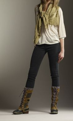 CONQUEST CARLY boot by SOREL! Super cute boot and worn by Katniss in Catching Fire. Also that outfit goes perfectly with them! Snow Outfit, Sorel Boots, Boating Outfit, Cold Weather Outfits, Autumn Winter Fashion, Winter Style, Winter Outfits, Cute Outfits, Style