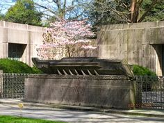 Architecture of Woodlawn Cemetery