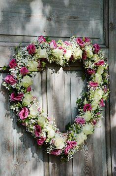 LILJOR OCH TULPANER: Idag är det bara kärlek.