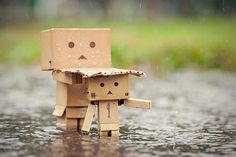 So cute! Momma Danbo protecting her baby.