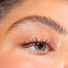 Growing Out Your Eyebrows: How To Do It Properly Eyebrows Tutorial Pic: Makeup Goals, Makeup Inspo, Makeup Inspiration, Makeup Tips, Style Inspiration, Glossy Makeup, Skin Makeup, Eyebrow Makeup, Makeup Eyeshadow