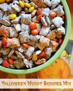 Spooky Snacks: Halloween Muddy Buddies Party Mix #recipe http://therebelchick.com/spooky-snacks-halloween-muddy-buddies-party-mix/ #Halloween
