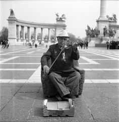 A brown armchair on the Hero's Square   (Budapest, Hungary)