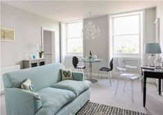 A renovated grade II listed apartment situated in vibrant heritage city of Bath The lounge is to the rear of the property and boasts 2 sash windows with views over the country side and feature fireplace.