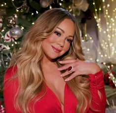 Mariah Carey, Aurora Sleeping Beauty, Long Hair Styles, Disney Princess, Queen, Woman, Long Hair Hairdos, Show Queen, Long Hairstyles
