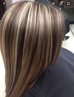 caramel hair Hair highlights and lowlights caramel low lights hairstyles 49 Ideas Blonde Foils, Brown Hair With Blonde Highlights, Hair Color Highlights, Hair Color Balayage, Blonde Color, Chunky Highlights, Carmel Highlights, Fall Highlights, Highlight And Lowlights