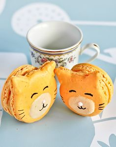Kitty Cat Carrot Macarons!!!  TOO CUTE!! But I can't even get regular macarons to come out right, though...