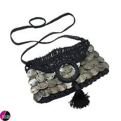 Sac à main en Nacre grise Gucci, Shoulder Bag, Fashion, Gray, Purse, Mother Of Pearls, Accessories, Moda, Shoulder Bags