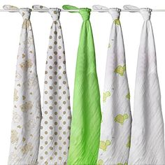 MagicMIL Swaddle Blanket, Thoughtful 5 Pack, Extra Soft Bamboo, Gender Friendly - Generous 47 Inch Size MagicMil http://www.amazon.com/dp/B00PXEWKZ6/ref=cm_sw_r_pi_dp_pM6Pvb15D5A16