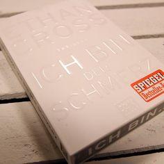 """Neues Jahr, neue Bücher! Wir verbringen das erste #Wochenende im neuen Jahr mit """"Ich bin der Schmerz"""" von Ethan Cross. Und ihr?  @bastei_luebbe  #ethancross #ichbinderschmerz #basteilübbe #thalia #thaliabuchhandlungen #buchtipp #buchempfehlung #thriller #currentlyreading"""