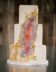 Geode Wedding Cakes as seen on Wedding Blog Humming Heartstrings. Read more: http://www.hummingheartstrings.de/?p=20229. Photo by Claire Marika Photography, Cake by Carrie`s Cakes