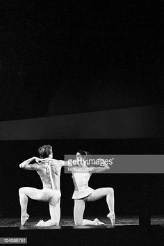October the ballet 'Paradise Lost', choreography by Roland Petit Paris Opera, with Rudolf Nureyev and Margot Fonteyn. On stage, the dancer Margot Fonteyn and Rudolf Nureyev. Get premium, high resolution news photos at Getty Images Male Ballet Dancers, The Dancer, Photography Exhibition, Dance Photography, Rudolf Nurejew, Dance Magazine, Margot Fonteyn, Ballet Images, Bolshoi Theatre