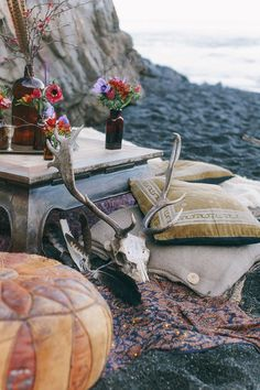 Create a makeshift bøhø bungaløw anywhere! #stayfree