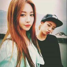 Yura and Hyeri #GirlsDay