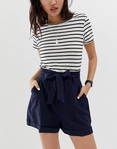 Browse online for the newest ASOS DESIGN linen tie waist shorts styles. Shop easier with ASOS' multiple payments and return options (Ts&Cs apply). College Wardrobe, College Outfits, New Wardrobe, Asos, Short Outfits, Short Dresses, Tie Waist Shorts, Fair Trade Fashion, Models