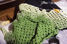 Dreiecktuch häkeln Anleitung kostenlos  Crochet Pattern free diagonal triangel half stripe granny scarf   Schal Freebie Dreieckstuch  spitz Spitze  Dreieck Tuch  gratis Häkelanleitung Granny Stripes