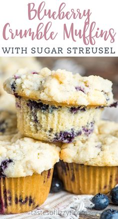 Fluffy, cake-like muffins with a sugar streusel topping. These Blueberry Crumble… Fluffy, cake-like muffins with a sugar streusel topping. These Blueberry Crumble Muffins with fresh blueberries are easy to mix up and perfect for breakfast or brunch. Streusel Topping For Muffins, Blueberry Crumble Muffins, Mixed Berry Muffins, Cake Mix Muffins, Homemade Blueberry Muffins, Blueberries Muffins, Blueberry Muffin Cake Mix Recipe, Recipes With Fresh Blueberries, Blueberry Desserts