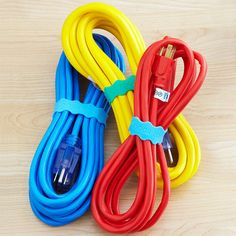 Secure+cord+bundles+with+stretchable+bands+designed+to+slip+around+baby+bottles+and+sippy+cups.+Bands+can+be+customized+with+any+text,+including+information+about+cord+length+and+usage.