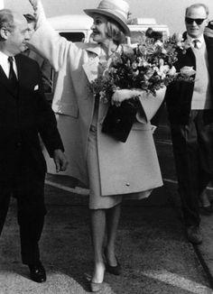 Marlene Dietrich arriving in Copenhagen. May 1960.