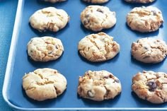 Fill the kids party bags with these tasty biscuits which are simple to make and budget-friendly too. Biscuit Cookies, Biscuit Recipe, Chip Cookie Recipe, Cookie Recipes, Yummy Treats, Yummy Food, Tasty, Sweet Treats, Yummy Cookies