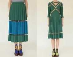 krisatomic_TataNaka_pleat-skirt