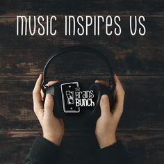 Listen music is a great option to find inspiration and create new things! #HappyMonday  | Escuchar música es una excelente opción para encontrar inspiración y crear cosas nuevas!  #FelizLunes #TheBunchOfSages #entrepreneur #creative #success #passion #art #loveart #GoOn