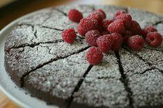 Marias Salt og Søtt: Browniekake uten mel(Flourless chocolate brownie cake)