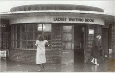 Leeds Pubs, Leeds City, Back In Time, Back In The Day, Old Pictures, Old Photos, Haunting Photos, Bus Station, West Yorkshire