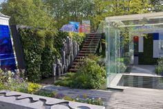 En 2014, le jardin créé par LDC :The Mind's Eye (littéralement: l'oeil de votre cerveau) a rencontré les faveurs du public et gagné le prix du Fresh garden, qui récompense les jardins novateurs. A noter: un mur végétal qui permet de profiter du jardin sans se baisser.