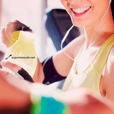 Caldo de cana no pré treino Isso mesmo, caldo de cana no pré treino pode sim. Alguns estudos mostraram que o caldo de cana no pré treino serve para dar energia o suficiente para o exercício físico. Além de ser rico em glicogênio, a tão famosa garapa contém também vitaminas A, B e C, bem como dos minerais ferro, cálcio, potássio e magnésio. Os seus efeitos podem ser potencializados quando acrescentado limão, água de coco, gengibre e outras frutas.  Que tal um caldo de cana no pré treino?…