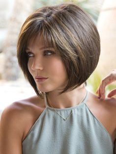 66 Chic Short Bob Hairstyles & Haircuts for Women in 2019 - Hairstyles Trends Layered Bob Hairstyles, Short Bob Haircuts, Hairstyles Haircuts, Straight Hairstyles, Teenage Hairstyles, Modern Haircuts, Medium Hairstyles, Hairdos, Braided Hairstyles