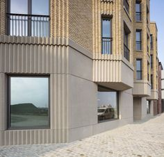 --- New Buildings Built in Traditional Architecture Style --- - Page 176 - SkyscraperPage Forum New Classical Architecture, Innovative Architecture, Architecture Design, Brick Facade, Courtyard House, Waterfront Homes, Architectural Elements, Arches, Ideal Home