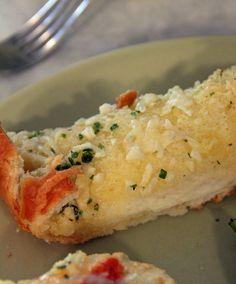 Garlick-y Garlic Toast AND Portobello Lasagna Caps With Spinach Strawberry Salad
