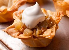 Muffin Pan Recipes That Aren't Muffins - Chowhound Phyllo Cups, Phyllo Dough, Wonton Cups, Muffin Tin Recipes, Snack Recipes, Dessert Recipes, Muffin Tins, Vol Au Vent, Pear Recipes