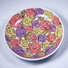 Hand painted Bowl of Roses Hand Painted Plates, Hand Painted Ceramics, Porcelain Ceramics, Ceramic Bowls, Pottery Painting Designs, Pottery Designs, Pottery Ideas, Pottery Plates, Ceramic Pottery