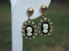 Vintage Cameo Clip On Earrings by sistersfuntreasures on Etsy, $9.99