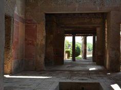 Natale Scavi di Pompeiriaprirannoben 5 domusche sono state risistemate grazie ai fondi del Grande progetto Pompei. Prenota ora la tua vacanza 327 3543655