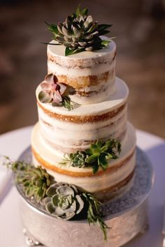 Simply Chic Hawaii Wedding - naked cake w/succulents Wedding Cake Rustic, Cool Wedding Cakes, Wedding Cake Toppers, Rustic Weddings, Wedding Vows, Fall Wedding, Wedding Rings, Wedding Ideas, Succulent Wedding Cakes