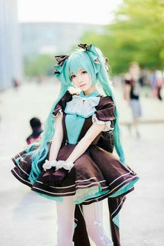Pin by Yumiko Yamiko on Cos Vocaloid Cosplay, Kawaii Cosplay, Hatsune Miku Costume, Hatsune Miku Outfits, Cosplay Anime, Cute Cosplay, Amazing Cosplay, Cosplay Outfits, Best Cosplay